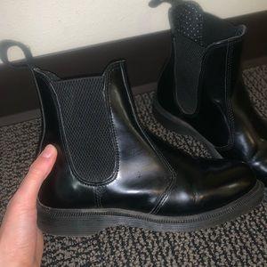 Dr Martens Chelsea Flora boots